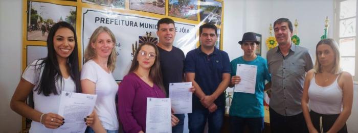 A Administração realiza a posse de quatro candidatos