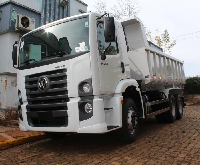 Caminhão zero KM foi entregue na sexta-feira