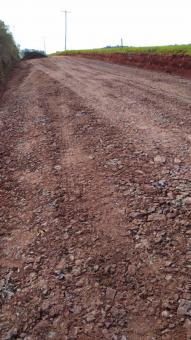 Prefeitura no interior: recuperação das estradas